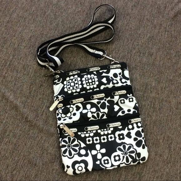 e2db2a0c2c Lesportsac Handbags - 🎱LeSportsac Kasey Black/White Crossbody Bag